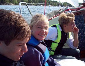 Eric Nordlund, Anna Eriksson och Axel Gemvik från Norra Lidingö Scoutkår under 48-timmars, hösten 2004.