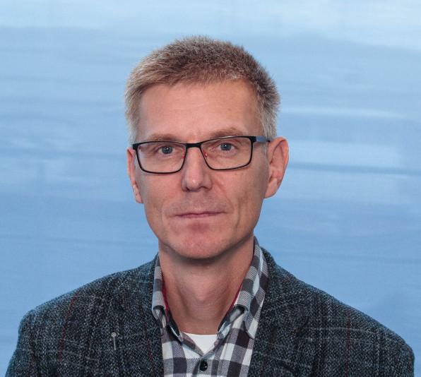 Foto på Ulf Palm som är ordförande i 24-timmarsnämnden.