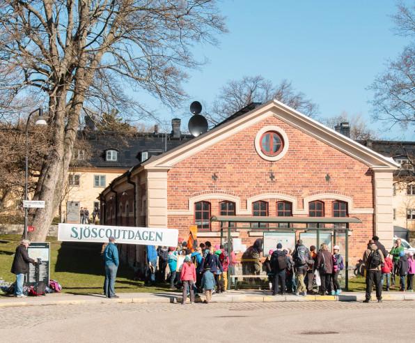 Svenska Kryssarklubben på Sjöscoutdagen 2015. Foto: Arne Wallers.