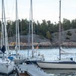Båtar vid brygga i Björkvik, Ingarö efter 24-timmars segling.